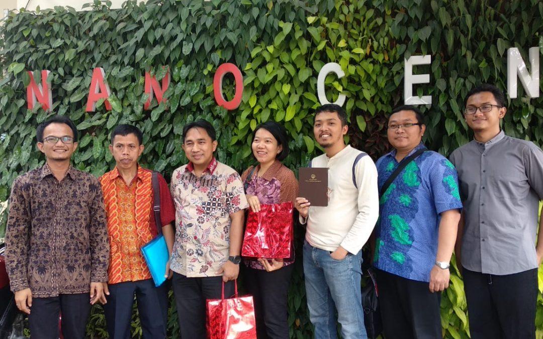 Kunjungan Pusat Inovasi dan Kewirausahaan Universitas Kristen Petra Ke Nano Center Indonesia